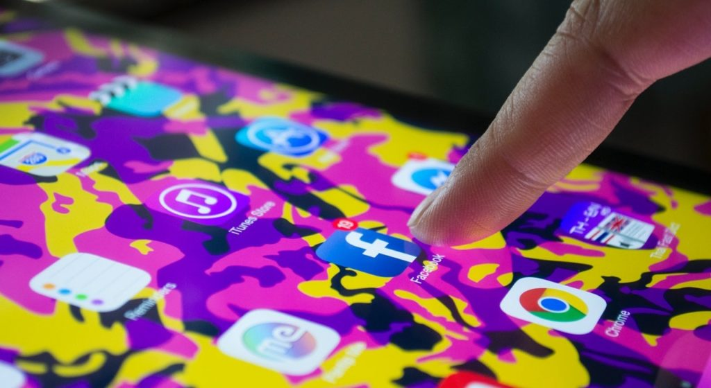 consumers are addicted to social media
