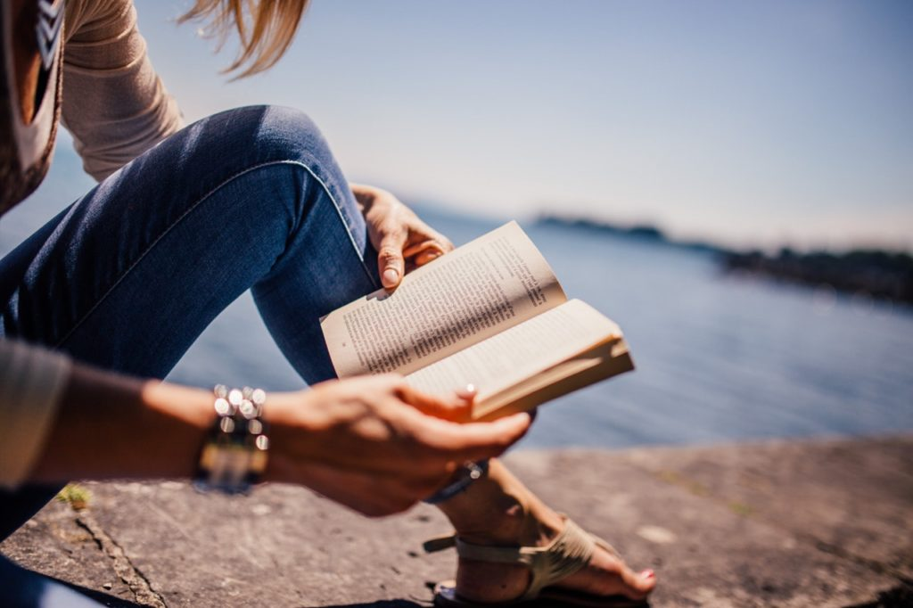 read for 15 minutes a day to grow as a person